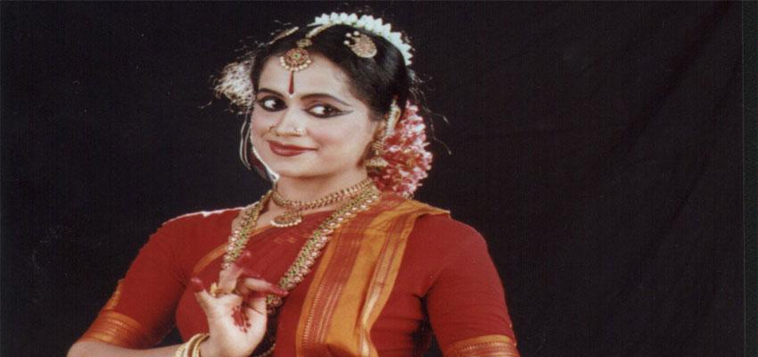 L'insegnante Indira Kadambi - Danza indiana Abhinaya e Nattuvangam