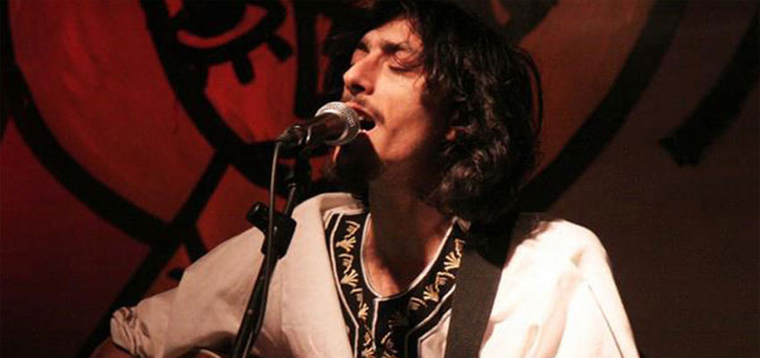 Sandro Joyeux: performance durante un concerto