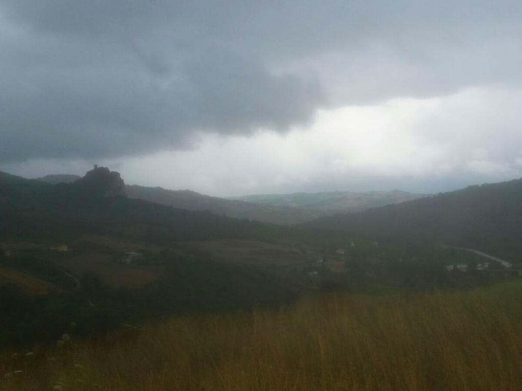 nubi nere Cammino Francesco 2016