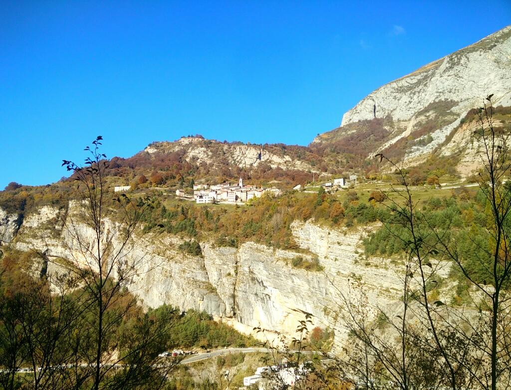 Esplorazioni_Dolomiti_Friulane_Paese di Casso_Passicreativi